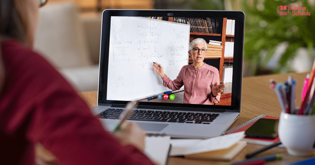 How much does it cost to sign up for an online course at a community college